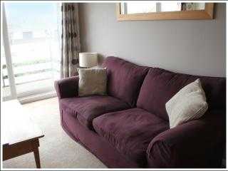 Delightful Apartment in Rest Bay - Porthcawl vacation rentals