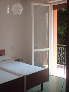 Cozy 3 bedroom Rimini Condo with Dishwasher - Rimini vacation rentals
