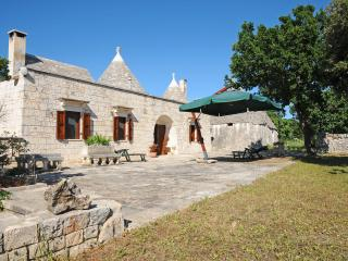 3 bedroom Trullo with Satellite Or Cable TV in Locorotondo - Locorotondo vacation rentals