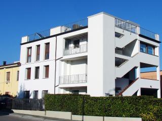 Giuliana's house - Desenzano Del Garda vacation rentals