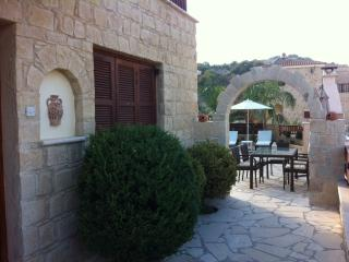 Beautiful Villa with Internet Access and Dishwasher - Kallepia vacation rentals