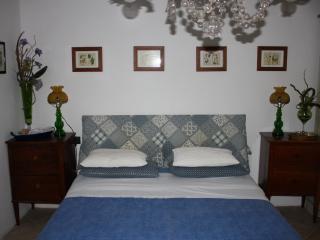 2 bedroom Bed and Breakfast with Deck in Monteriggioni - Monteriggioni vacation rentals