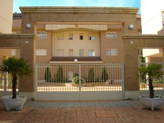 Apartment 3 bedrooms and pool - Salamanca vacation rentals