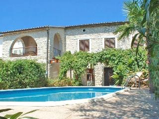Charming Villa with Internet Access and A/C - Liznjan vacation rentals