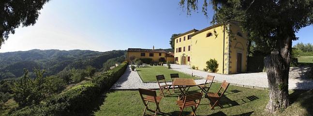 Villa Splendente - Image 1 - Massa e Cozzile - rentals
