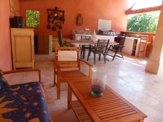 Nice Villa with Internet Access and Dishwasher - Saint-Didier vacation rentals