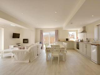 Bright 3 bedroom Vacation Rental in East Wittering - East Wittering vacation rentals