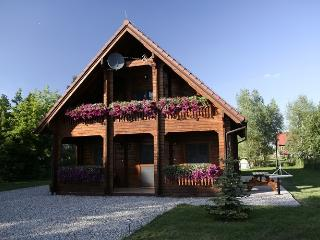 Cozy 3 bedroom Elk House with Internet Access - Elk vacation rentals
