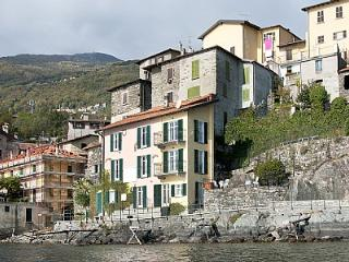 Cozy 3 bedroom House in Rezzonico with Deck - Rezzonico vacation rentals