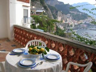 Nice Condo with A/C and Television - Amalfi vacation rentals
