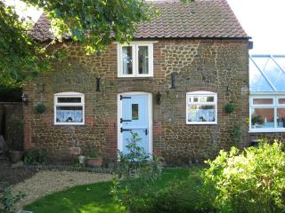 Beautiful Cottage with Internet Access and A/C - Snettisham vacation rentals