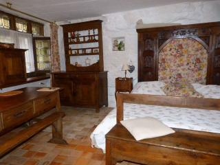 Nice Dinan Studio rental with Internet Access - Dinan vacation rentals