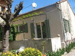 Nice 1 bedroom House in Nîmes - Nîmes vacation rentals