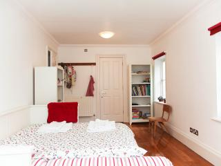 Quiet Central London home, sleeps 15 - London vacation rentals