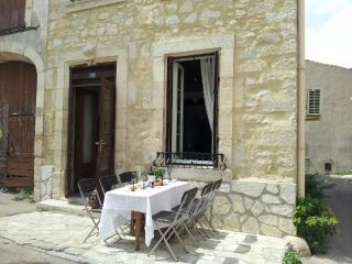 Nice Gite with Internet Access and A/C - Sigean vacation rentals