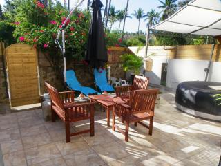 Nice Condo with Internet Access and A/C - Saint-Gilles-Les-Bains vacation rentals
