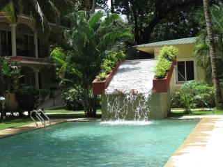 17)1 Bed Emerald Court Nagoa + WiFi - Calangute vacation rentals