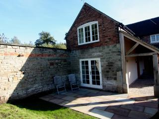 Home Farm Cottage, Bretby Derbyshire - Willington vacation rentals
