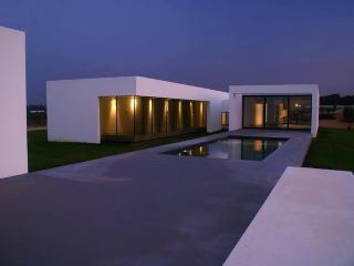 3 bedroom Cottage with Internet Access in Santarem - Santarem vacation rentals