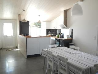 3 bedroom House with Internet Access in Clement des Baleines - Clement des Baleines vacation rentals