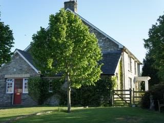 Welsh farmhouse for 8, wifi, games room, BBQ, dogs - Lampeter vacation rentals