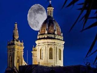 Valletta Central Accommodation - Valletta vacation rentals