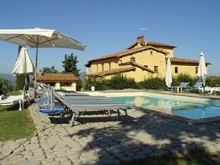 Nice House with Deck and Shared Outdoor Pool - Castelfranco di Sopra vacation rentals