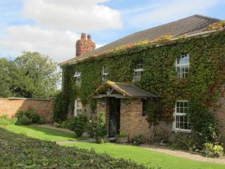 Jockhedge Farmhouse - Burgh le Marsh vacation rentals