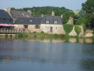 Lovely 2 bedroom Gite in Plesidy - Plesidy vacation rentals