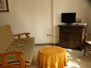 3 bedroom Apartment with Internet Access in Llanca - Llanca vacation rentals