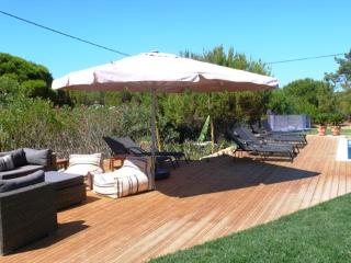 Nice Villa with Deck and A/C - Vale do Garrao vacation rentals
