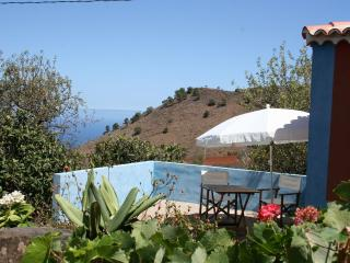 Wonderful 1 bedroom Garafia House with Washing Machine - Garafia vacation rentals