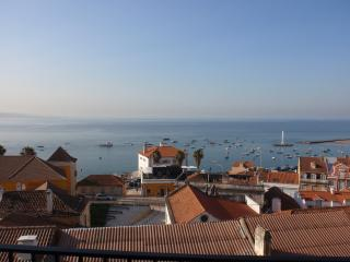 Amazing Ocean Front Apartment - Lisbon vacation rentals