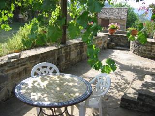 Charming 1 bedroom Cottage in Huesca with Short Breaks Allowed - Huesca vacation rentals