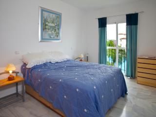 Lovely Condo with Internet Access and Dishwasher - La Cala de Mijas vacation rentals