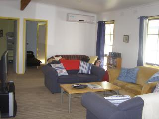 The Shebeen - dog friendly, beach house. - Cowes vacation rentals