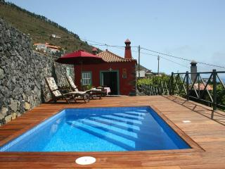 Charming House in Fuencaliente de la Palma with Deck, sleeps 3 - Fuencaliente de la Palma vacation rentals