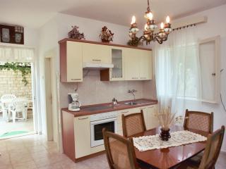 Beautiful 2 bedroom Apartment in Tisno - Tisno vacation rentals