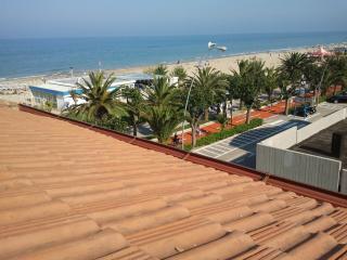 2 bedroom Condo with A/C in Alba Adriatica - Alba Adriatica vacation rentals