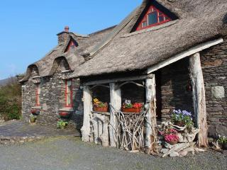 Ring Of Kerry Thatched Cottage - Glenbeigh vacation rentals