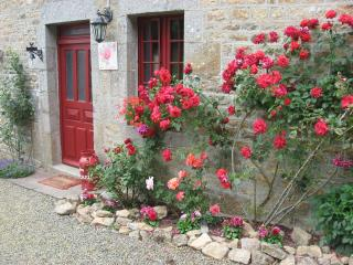 GITES ST MICHEL Cottage Rosier - Manche vacation rentals