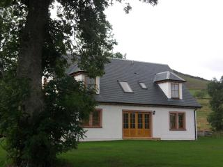 Beautiful 5 bedroom House in Alyth with Short Breaks Allowed - Alyth vacation rentals