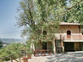 Casa della Maestra, for peace and privacy - Spedalicchio vacation rentals