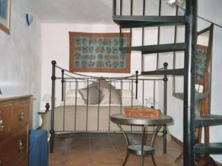 Lovely Townhouse with Internet Access and Dishwasher - Canar vacation rentals