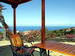 Cozy 1 bedroom House in Puntallana with Washing Machine - Puntallana vacation rentals