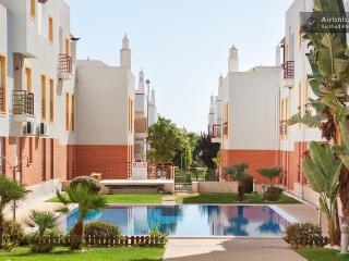 T2 Cabanas de Tavira com piscina - Tavira vacation rentals