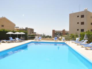 2 bedr. Apartment & pool near sea. Tourist area - Limassol vacation rentals