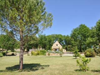 4 bedroom House with Internet Access in Coly - Coly vacation rentals