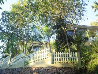 Bright 4 bedroom Meppadi Bungalow with Bachelor Or Bachelorette Parties Allowed - Meppadi vacation rentals