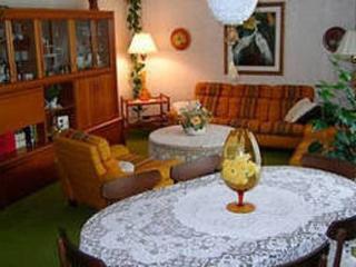 Ollie's B+B, 2 Bedroom - Welland,  Niagara - Welland vacation rentals